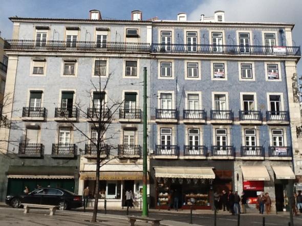 Lisbon story la città portoghese il Bairrio alto rossella farinotti labrouge