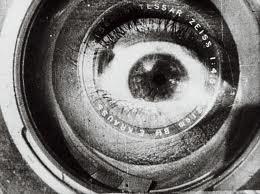 sight and sound  la rivista di cinema e la sua classifica dei capolavori mondiali L'uomo con la macchina da presa, Vertov rossella farinotti labrouge