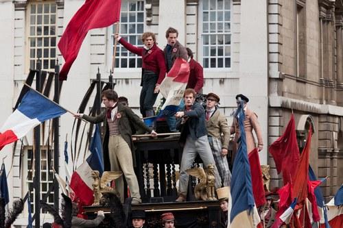 le barricate nei Miserabili di Tom Hooper melodramma cantato dai tratti espressionisti rossella farinotti labrouge