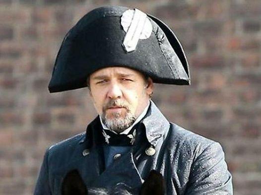 Russell Crowe i Miserabili di Tom Hooper melodramma cantato dai tratti espressionisti rossella farinotti labrouge