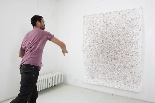 da Charly Room galleria Manuel Scan, l'artista al lavoro rossella farinotti labrouge