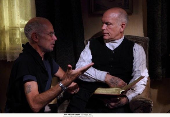 gabriele salvatores il regista che cambia registro il regista sul set con John Malkovich rossella farinotti labrouge
