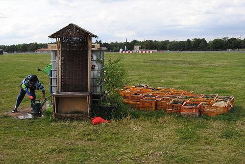 god save the green un film indipendente per salvare il pianeta community garden tempelof airport berlino labrouge