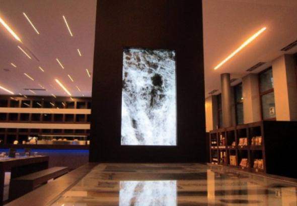 il plessi Museum sull'autostrada del Brennero dedicato all artista italiano instalalzione acqua labrouge