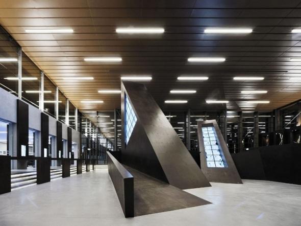 il plessi Museum sull'autostrada del Brennero entrata dedicato all artista italiano labrouge