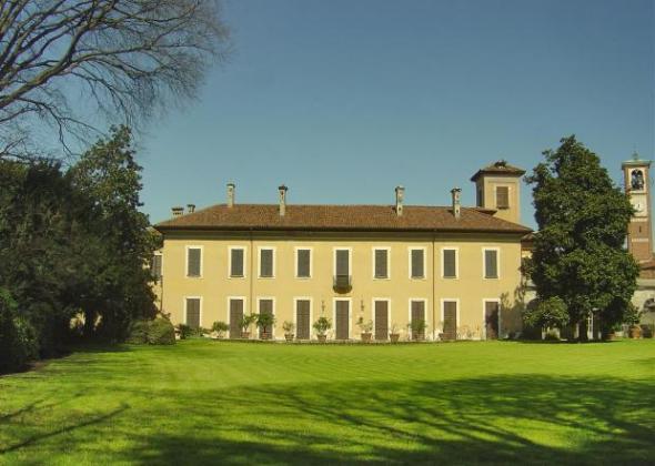 villa rescalli villoresi e fondazione dario mellone facciata labrouge